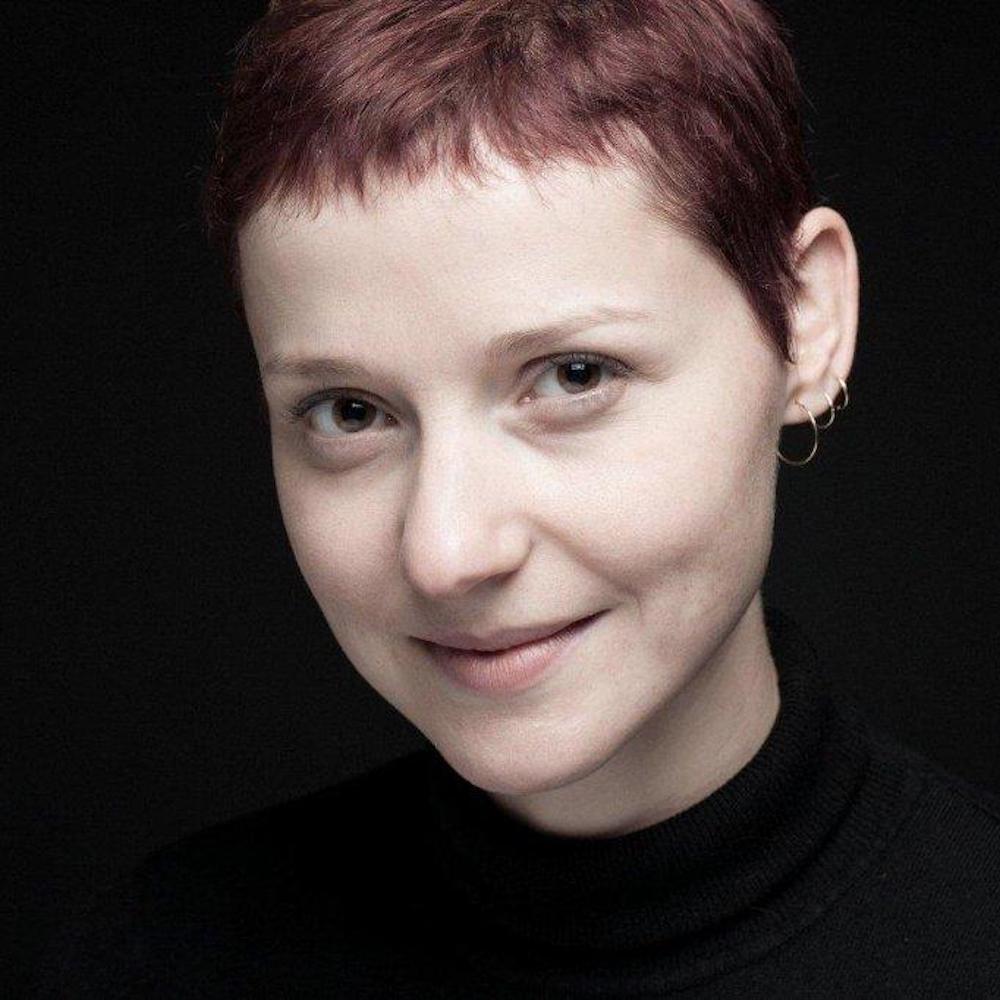 A head and shoulders photo of Janice de Jong