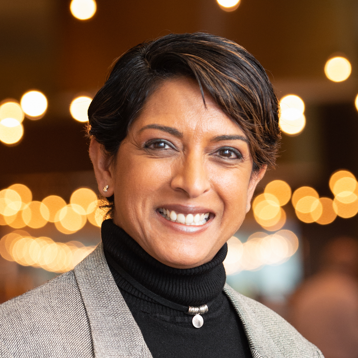 A head and shoulders photo of Meena Kothandaraman